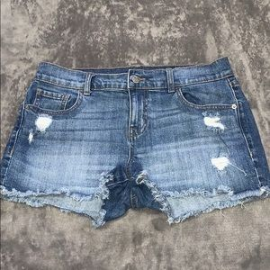 NWOT Old Navy boyfriend jean shorts size 6